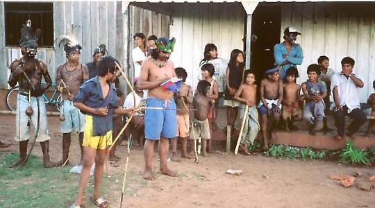 Bogenwettbewerb bei den Guaraní <br/>Foto von nagillum