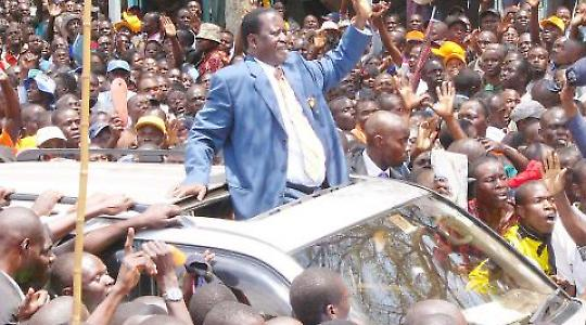 """Raila Odinga, Führer der ODP. """"So liegen Beweise dafür vor, dass der Anführer der damals oppositionellen ODM im Rift Valley offen zur Gewalt gegen andere Ethnien aufrief."""" [taz] <br/>Foto von Action Pixs (Maruko)"""