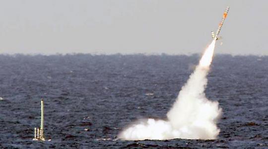 Abschuß einer Tomahawk-Rakete von der USS Ohio <br/>Foto von Mateus