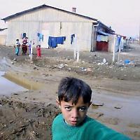 Romajunge im Kosovo <br/>Foto von Magne Haagen
