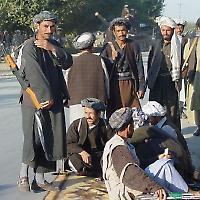 Miliizen bei Mazar-i-Scharif <br/>von Olivier_P, Flickr