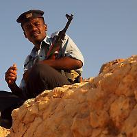 Unter Waffen in Shibam, Jemen <br/>Foto von Martin Sojka, Flickr