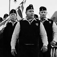 Die paramilitärische Ungarische Garde (Magyar Gárda) bedroht Roma und Juden